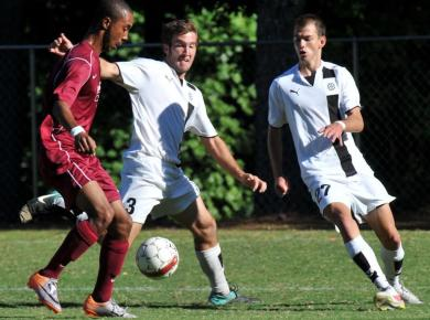Petrels Defeat Guilford, Split Games at Winshape Invitational