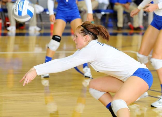 Volleyball Splits on Day Two of Invite