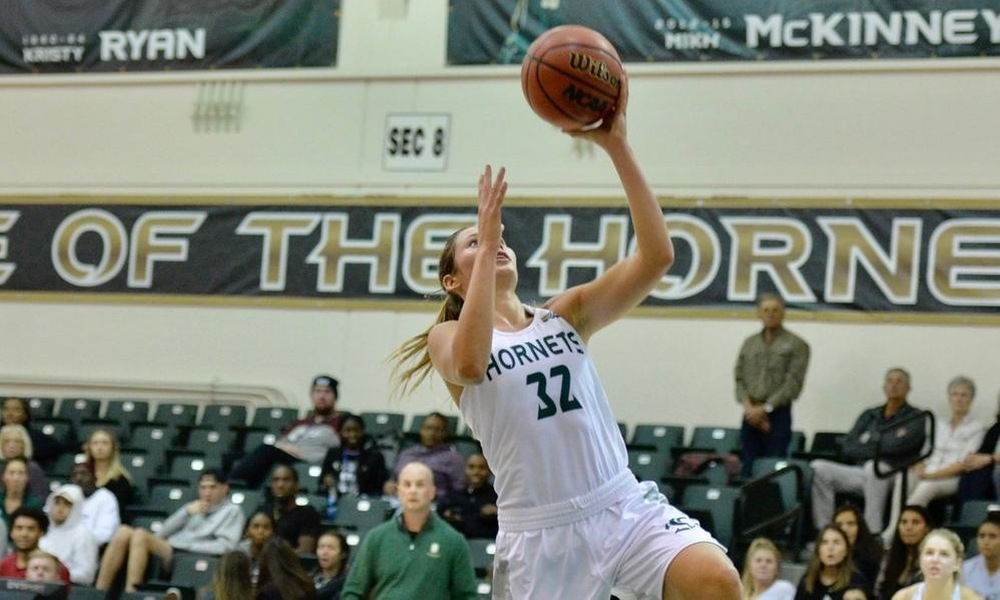 FRIEND SCORES 19, BUT TEAM SHOOTING STRUGGLES CONTINUE AS WOMEN'S HOOPS FALLS TO UC DAVIS IN CAUSEWAY CLASSIC