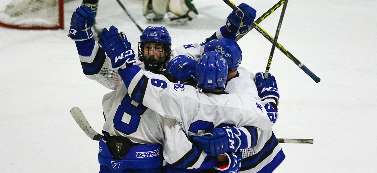 Men's Hockey Keeps Playoff Hopes Alive With 5-3 Win Over WNE