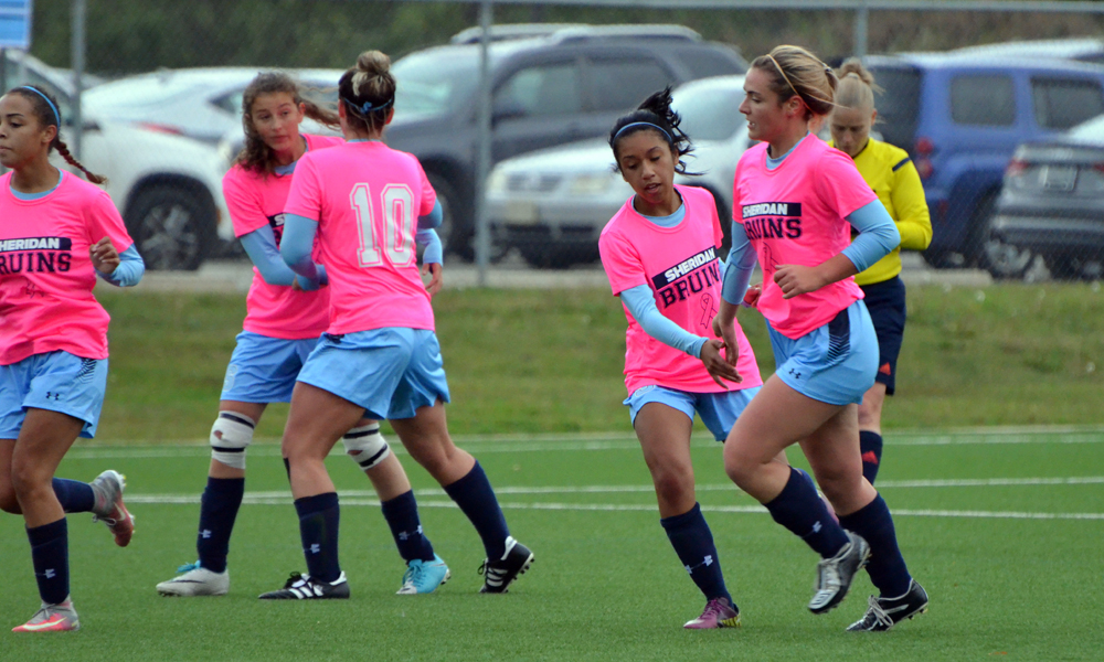 Women's soccer see game slip away late in home finale