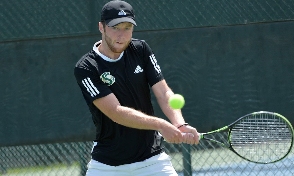 MEN'S TENNIS CLINCHES BIG SKY TOURNAMENT BERTH WITH A 4-3 WIN OVER WEBER STATE