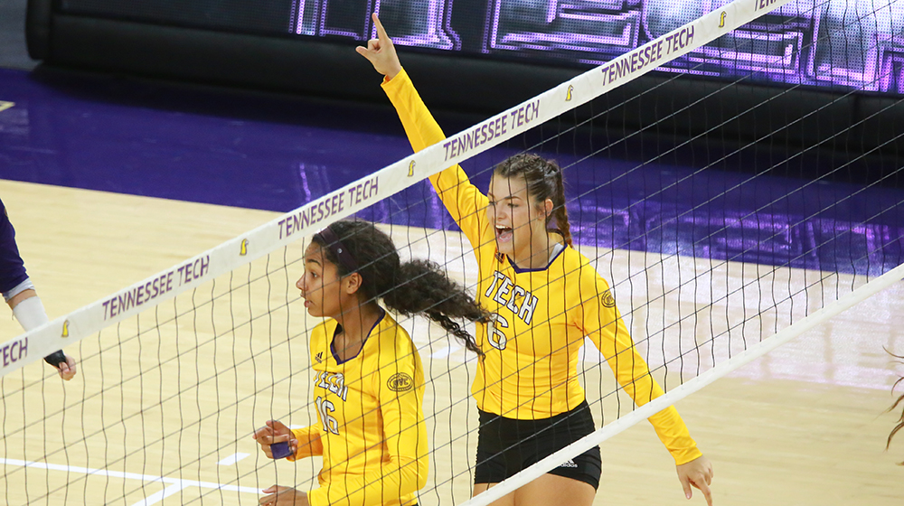 Tech volleyball comes back to beat Belmont, notches weekend sweep on the road
