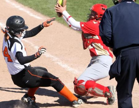 Softball pounds out 25 hits in 5-1, 10-1 sweep of Otterbein
