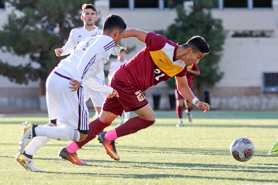 State #3 Mt. SAC Edges #15 Men's Soccer With Late Goal
