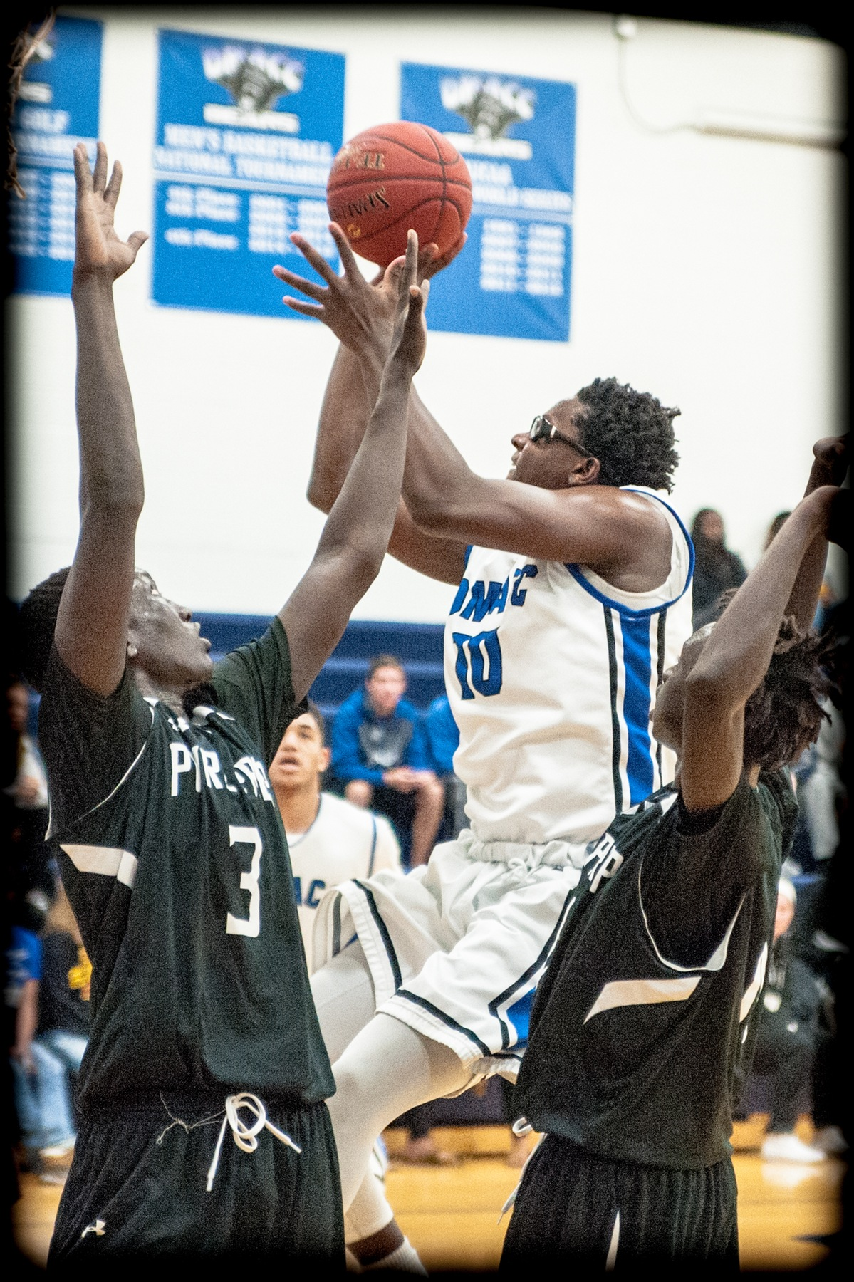 DMACC Men's Basketball Team Gets Wins in its First Two Games