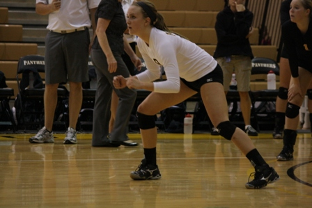 Volleyball Splits First Two Matches At Season-Opening Clarion Tournament