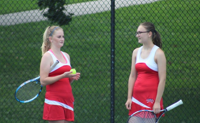Svedova & Marron Represent MSOE On All-NACC Women's Tennis List