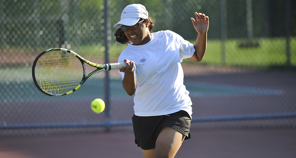 Tennis Bests Puerto Rico-Mayaguez Behind Solid Doubles Effort