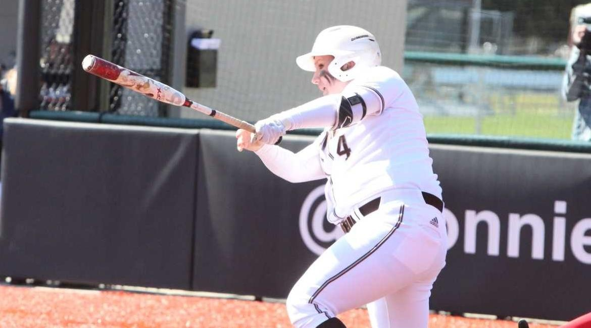 Home Runs Lead Bonnies To Split vs. Robert Morris