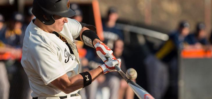Oxy Baseball Earns First Victory in Dramatic Ninth
