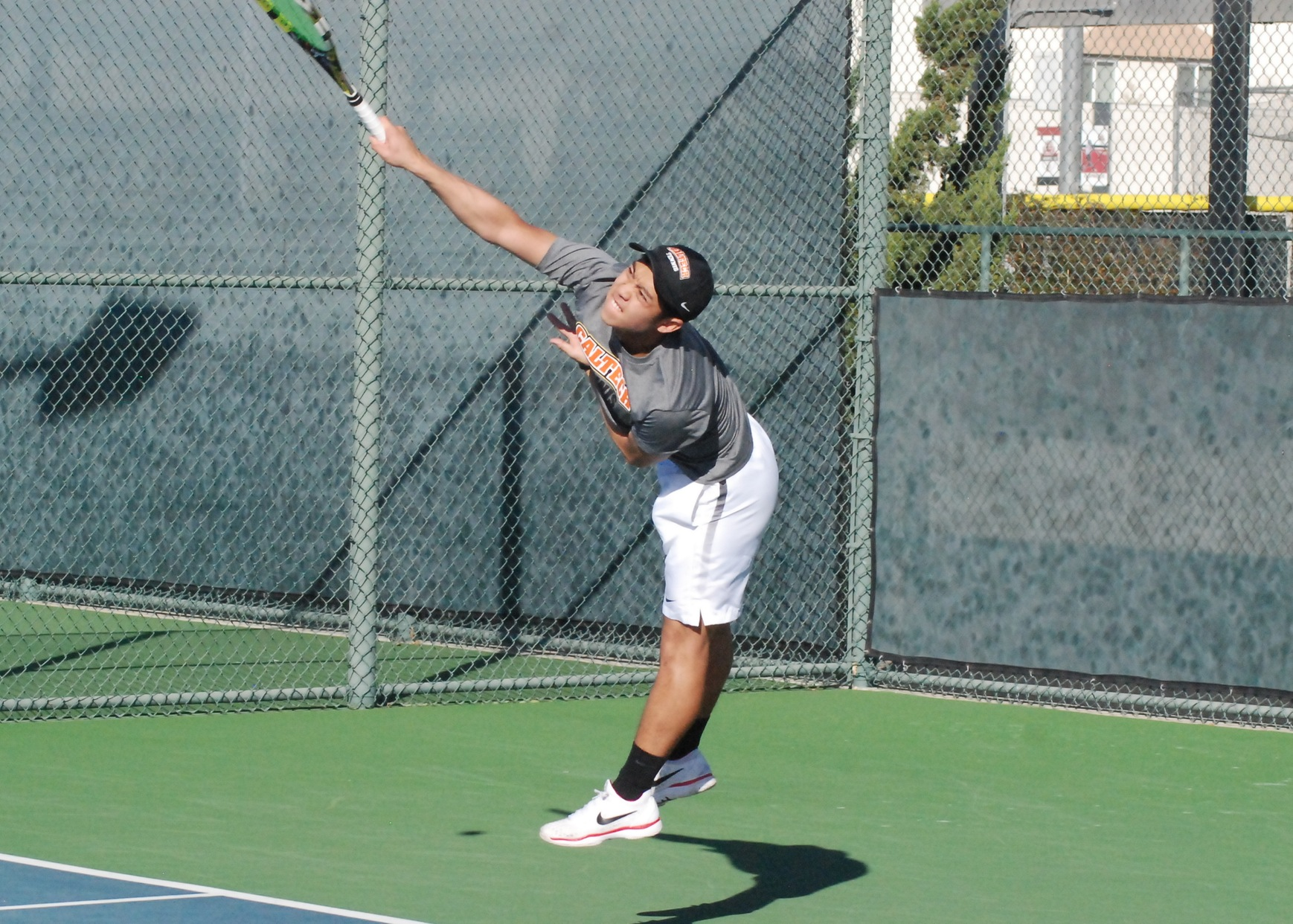 No. 29 Men's Tennis Sweeps Rhodes in Singles