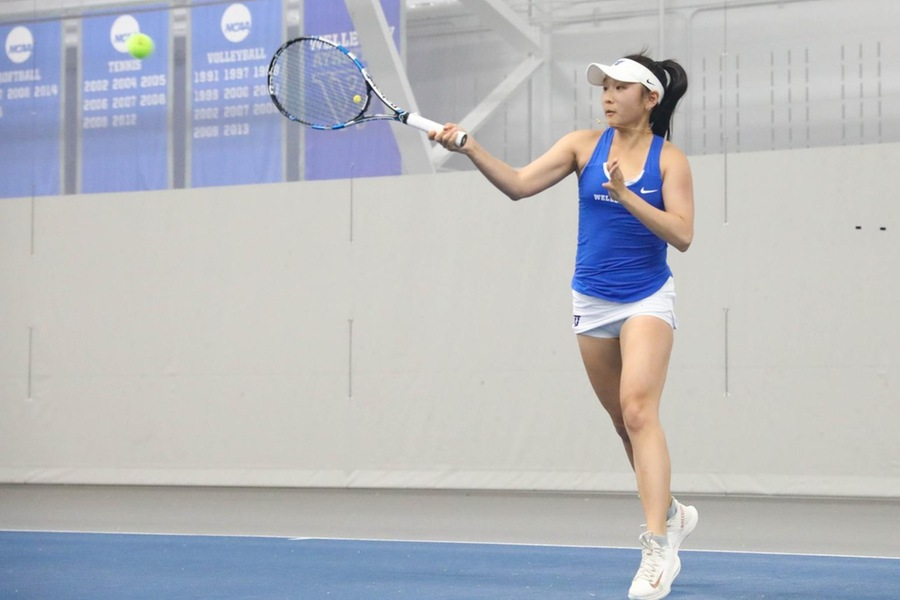 First year Michelle Shen clinched the victory with a win at No. 2 singles (Miranda Yang).