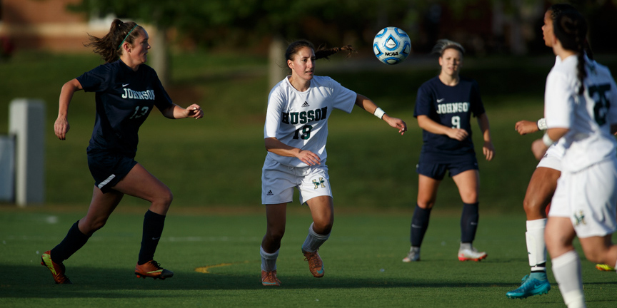 Women's Soccer Falls Late to the University of New England, 3-2