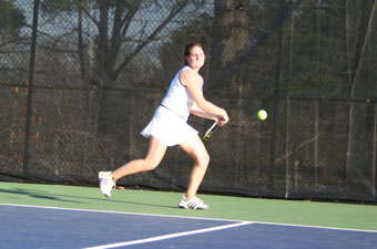 Women's tennis falls to NAIA Palm Beach Atlantic, 7-2
