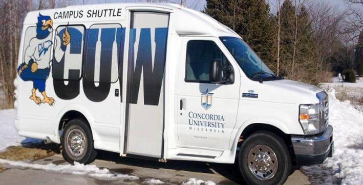 Shuttle bus offered to students for Men's Hockey game on Saturday
