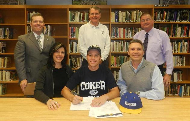 Men's Golf Signs Greenplate to 2014-15 Class