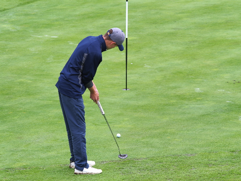 Chargers Golf Moves Into Tie for First Atop OEC
