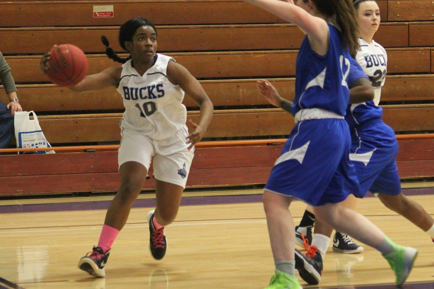 Mustangs Too Much for Lady Centurions