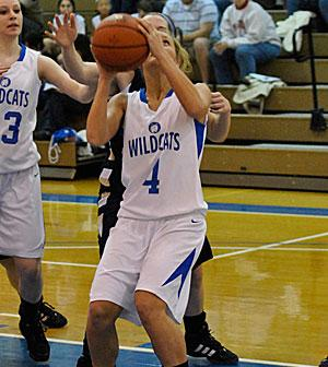 Lady Wildcats Open Up Conference Play with Victory