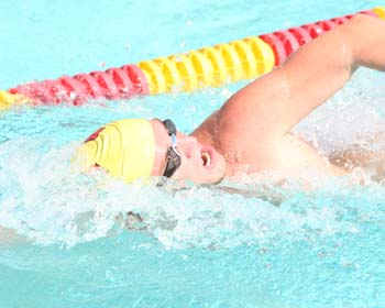 UT Swimmers Head into Final Day of Nationals in Contention