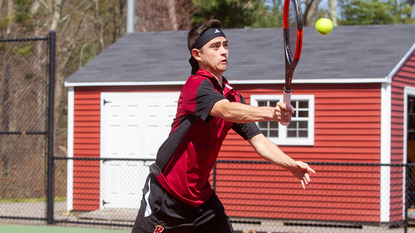 Men's Tennis Drops Hard-Fought Contest to Stonehill