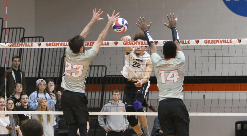 Men's volleyball takes loss at Adrian