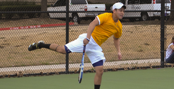 Men's tennis cruises to 8-1 win over Sul Ross State
