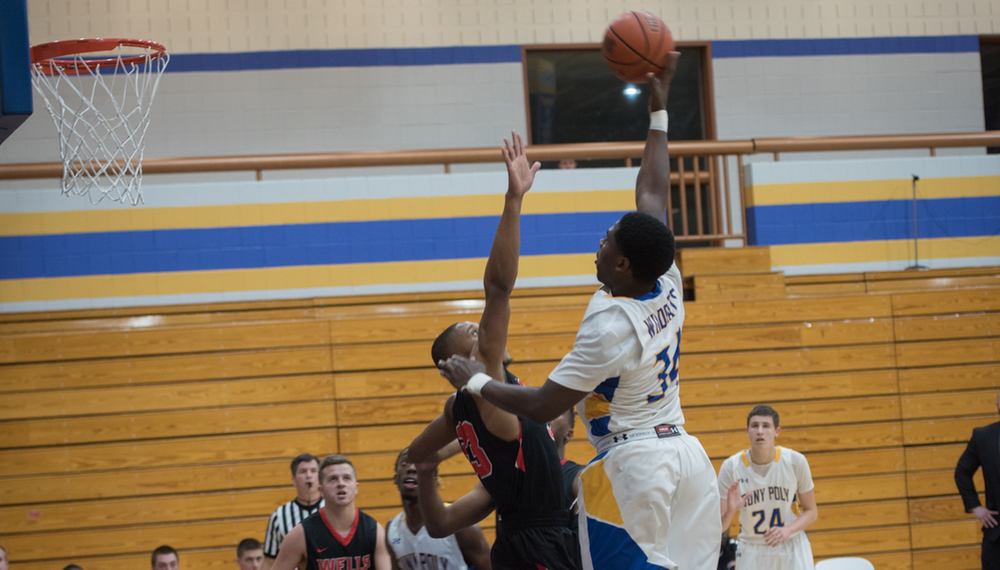 MBB: Last Second 3-Pointer Gives Wells the Narrow Win over SUNY Poly 66-64.