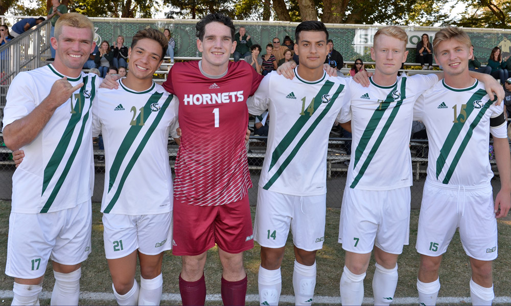 MEN'S SOCCER BEATS CAL POLY, 5-1, ON SENIOR DAY; CLINCHES BIG WEST TOURNEY SPOT