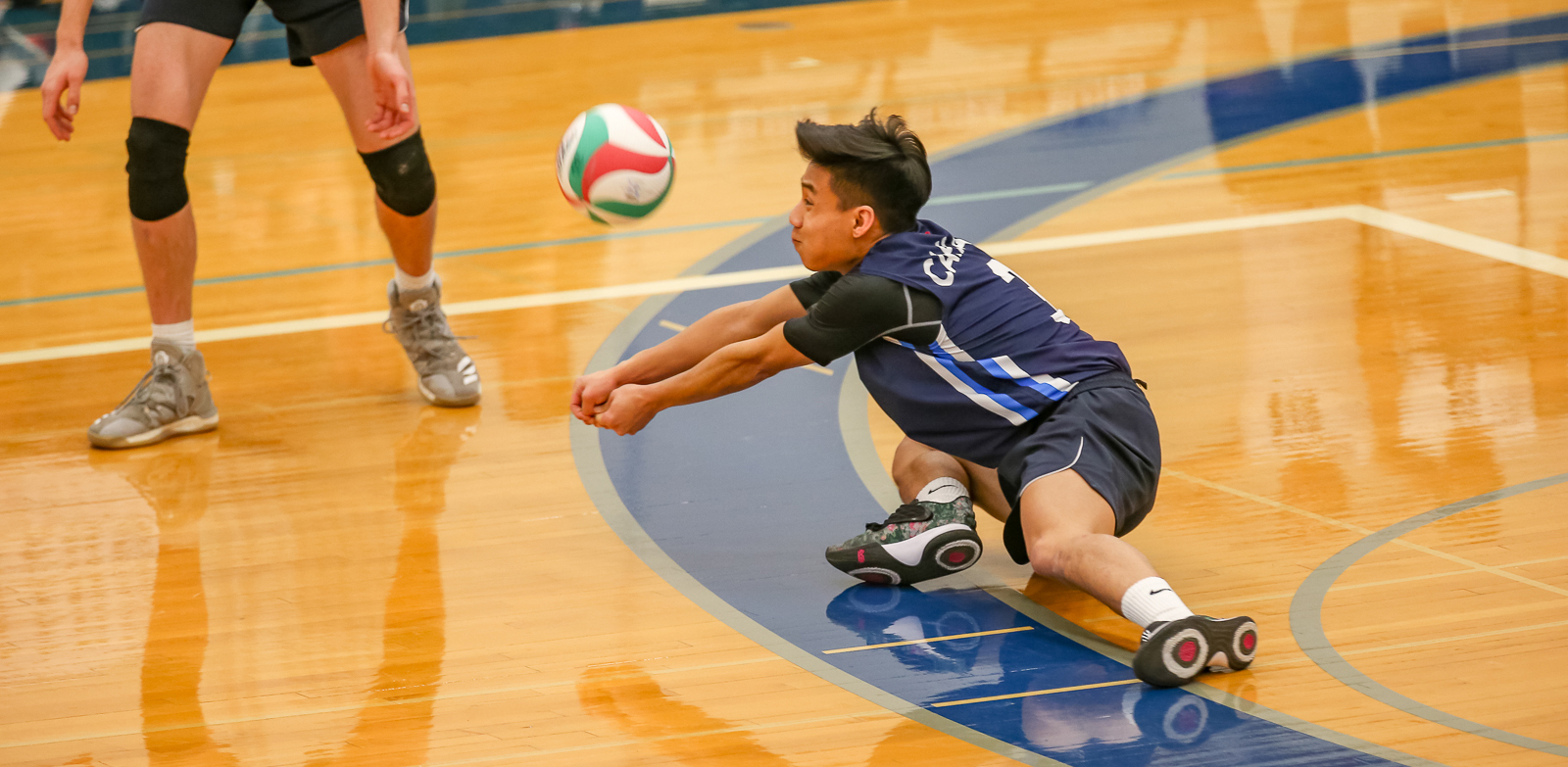 CapU third-year libero Jonathan Lee. Photo Paul Yates / Vancouver Sports Pictures