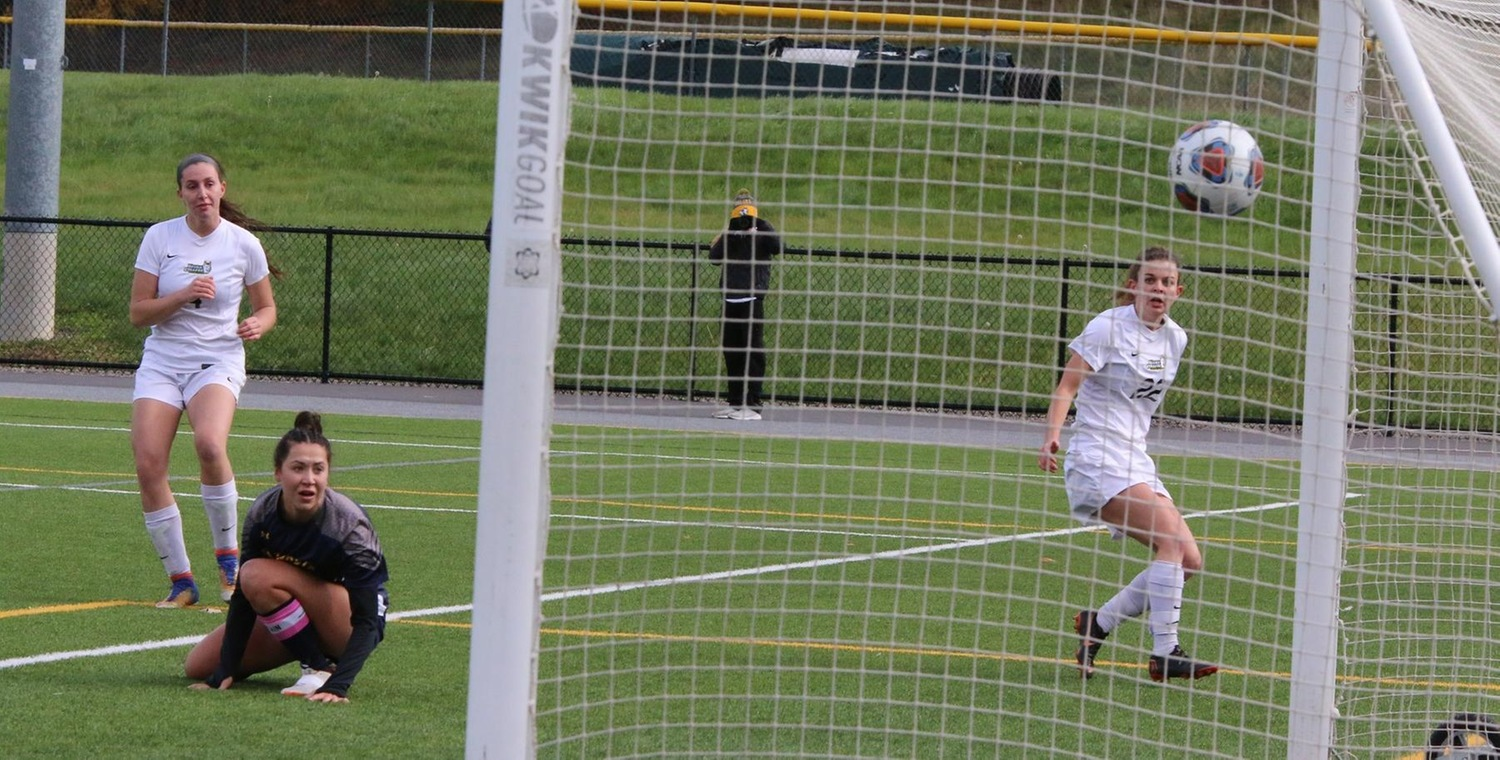 Morgan Fuller (4) put Keuka College ahead 1-0 on Saturday -- Photo by Ed Webber