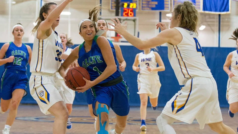 Torie sank the game-winning basket for the Seahawks with 1.1-seconds to play. (Photo by Rob McGuinness)