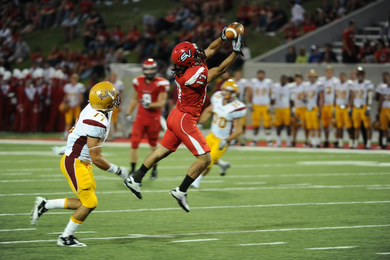 Cardinals Reclaim Axe in Clutch Victory Over Northwood, 28-20