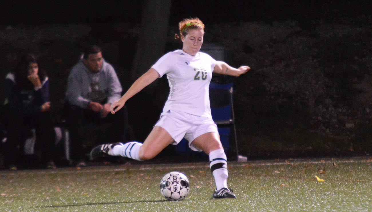 A Goal in Each Half Propels No. 8 Brandeis Past Women's Soccer