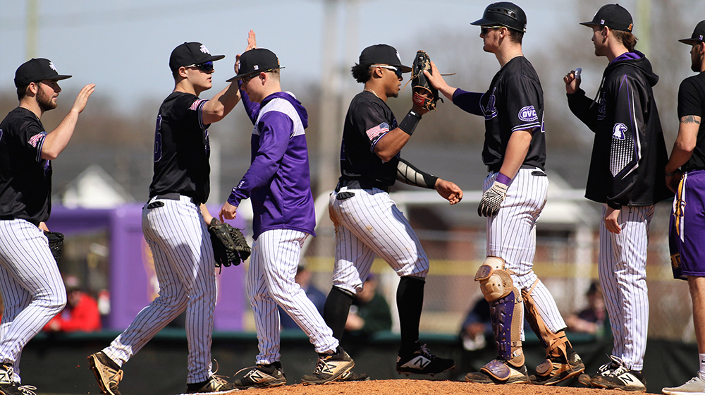 Tech baseball team hosts Valparaiso, visits Lipscomb in midweek action