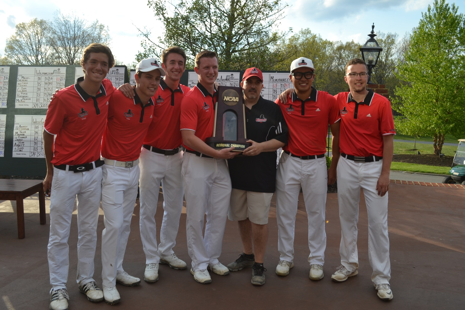 GOLF WINS SCHOOL'S FIRST EVER NCAA REGIONAL CHAMPIONSHIP