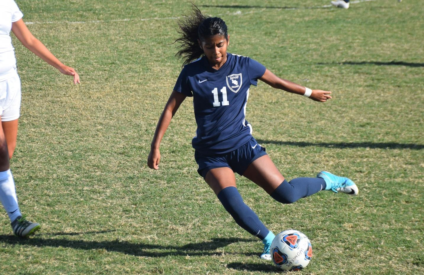 Women's soccer team runs out of time, falls to Fullerton