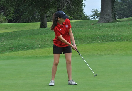 Washington University Leads UAA Women's Golf Championship After Day One