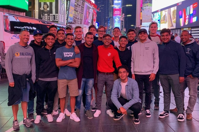 Men's Water Polo toured New York City before their tournament in Connecticut
