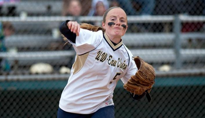 Softball on Spring Break - Blugolds Drop First Game of the Season, But Salvage Doubleheader Split