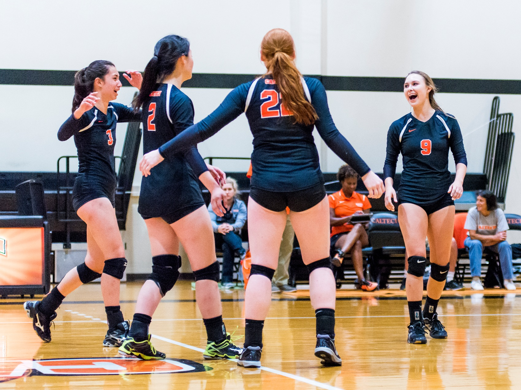 Volleyball Takes First SCIAC Set in Five Years