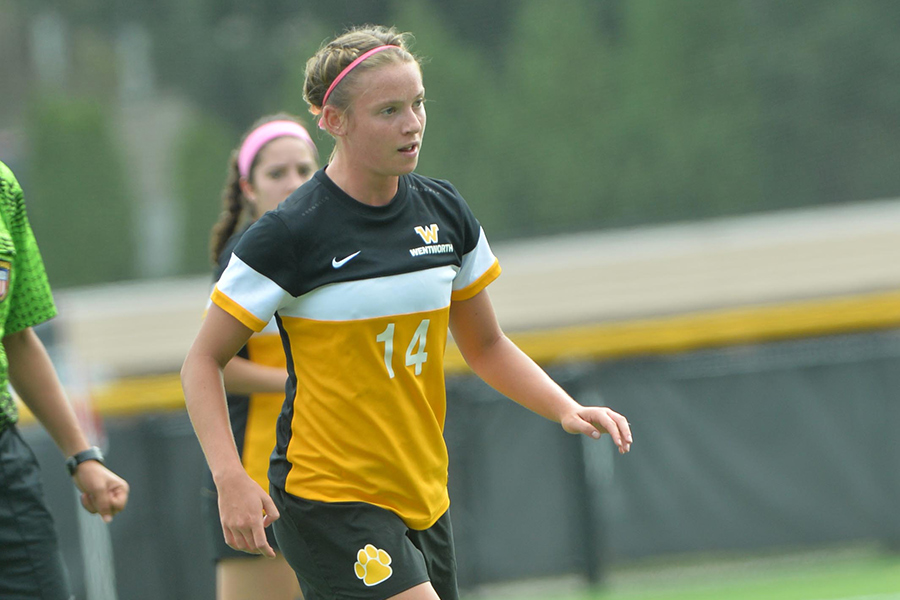 Women's Soccer Notches First-Ever Win at Gordon