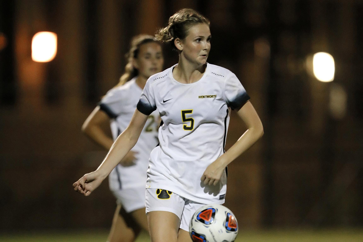 Women's Soccer Snaps Losing Streak With Double Overtime Win