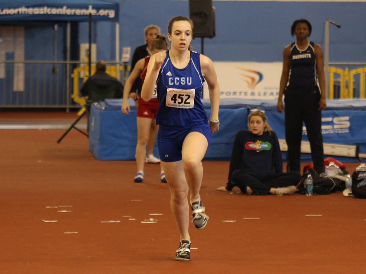 Women's Track Places Sixth at UMass