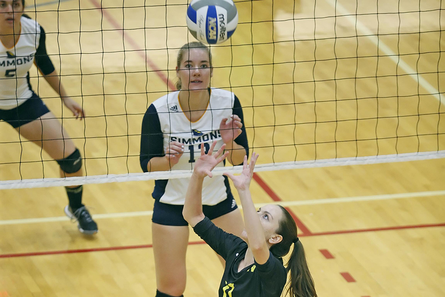 Women's Volleyball Runs Win Streak to Four