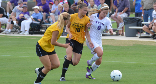 Golden Eagles soar to 3-2 victory behind offensive assault