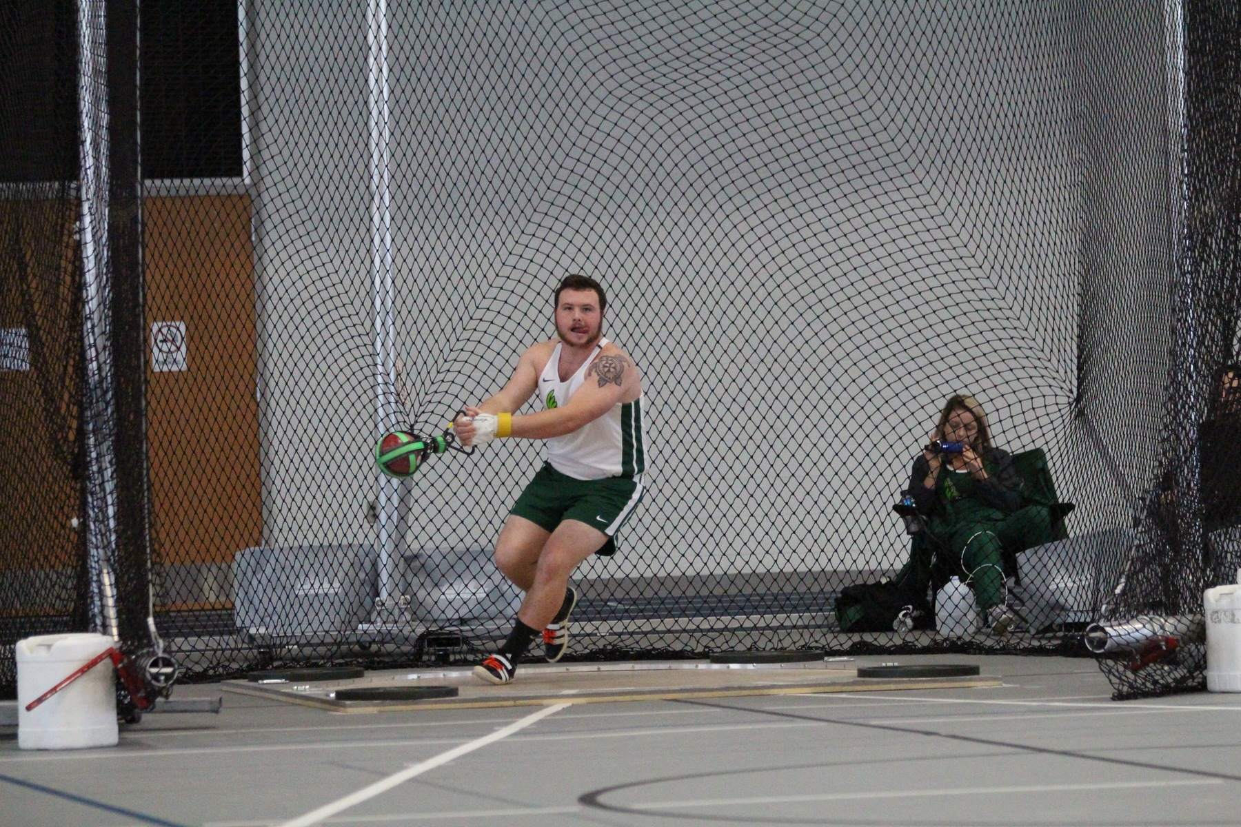 Men's Track and Field Sixth at Jessica Starks