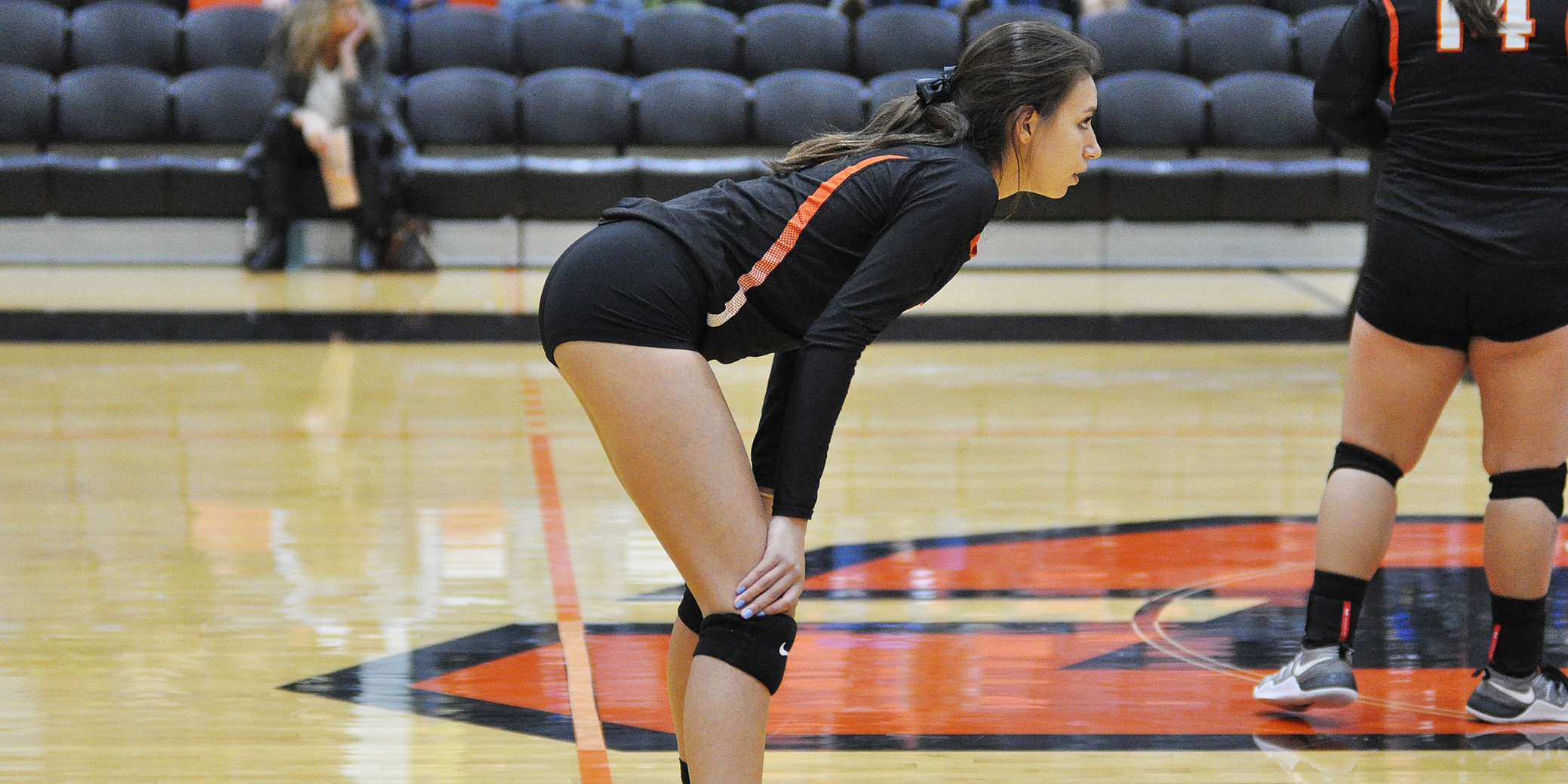Lewis & Clark begins year by winning first set in pair of defeats at Oregon Trail Classic