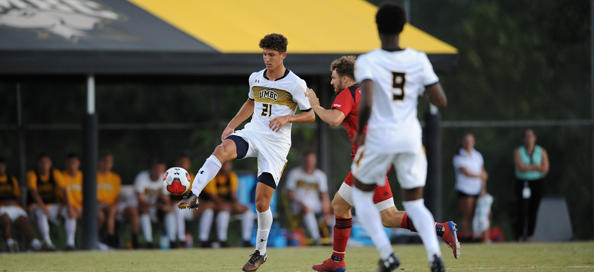 Weyant and Becher Connect Twice; Men's Soccer Rolls Past GW, 4-1